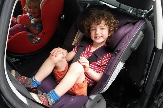 silla coche en sentido contrario marcha para chicos mayores