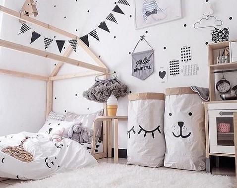 cestos para ropa o juguetes en habitacion del bebe